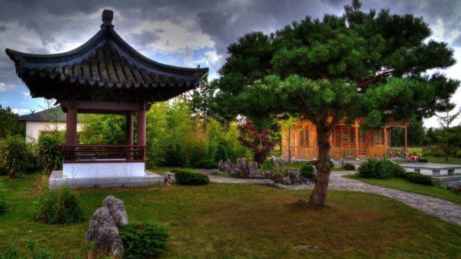 Японская беседка и сад камней