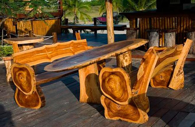 Оригинальные стулья из дерева