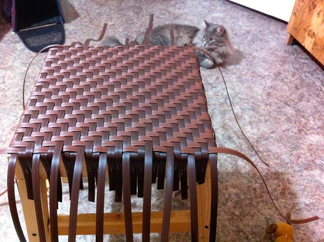Плетение стула из ротанга