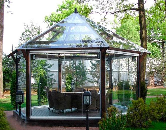 Шестиугольная прозрачная крыша из поликарбоната