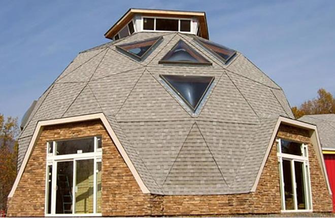 круглая крыша с окнами